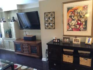 Highend Buckhead Condo- Comfortable, Clean, Cozy!