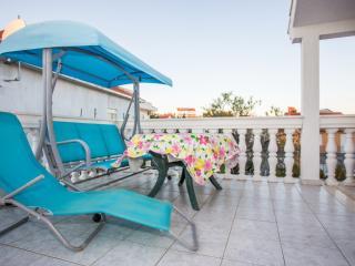 TH01864 Apartments Nikša / Two bedrooms A2, Okrug Gornji