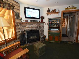 Camp 4 Unit 18: Ideal 1 Bedroom, 1 Bathroom Condo, Snowshoe