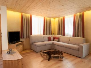 Chalet Alfonz | Relax and Tv corner | Angolo relax e TV