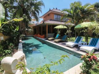 Great Value 6 bedrooms villa ODIL 700m beach & 15m pool sleep 14 Pax