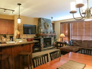 Big White Stonegate Resort Amazing 3 Bed Condo with Private Hot Tub