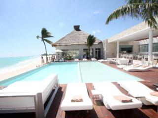 1bd Luxury Beach Retreat Marea Azul, Playa del Carmen