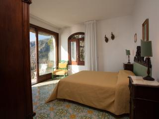 Amalfi Coast Accommodation with Pool for Two Families or Friends - Villa Furore