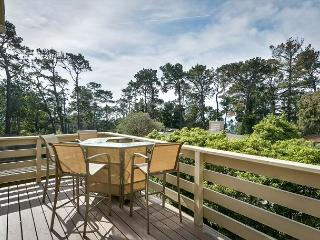 3713 Sandy Toes Cottage ~ Quiet Neighborhood, Walk to Town, Carmel