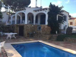 MORAIRA, CAP BLANC VILLA WITH POOL, 4 BEDROOMS.