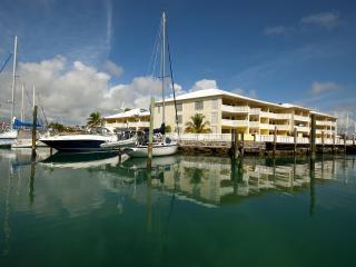 ocean reef yacht club and resort on bahama reef bl