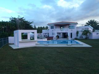 Rincon's Premier Luxury Beach/canalfront Estate, Rincón