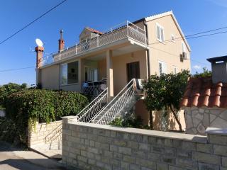 Apartment Memunić 1,Malo Selo,Hodilje,Ston