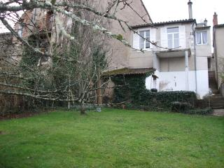 Charming house with large private rear garden
