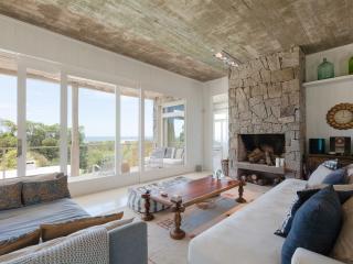Outstanding 3 Bedroom Beach House in La Punta, Manantiales