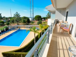 Farnell White Apartment, Albufeira, Algarve