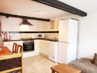3 bed appt, sleeps 6, West Wing Sheephouse Manor