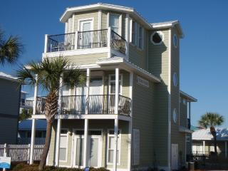 Upscale Crystal Beach 6br/cabana/pool, 1st house on beach access street