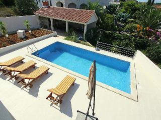 Luxury Apartment with pool in Sutivan, Brac Island