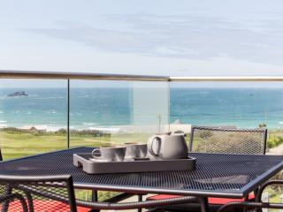 5 STAR,3 BED 3 BATH  2ND FLOOR  GOLF/SEA VIEWS FISTRAL  NEWQUAY