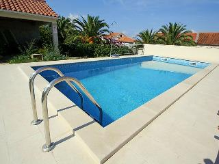 5 person Apartment with Pool, Sutivan, Brac island