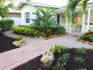 Bay Esplanade Home by BeachhouseFL- Ask for specials. Great last min deals., Clearwater