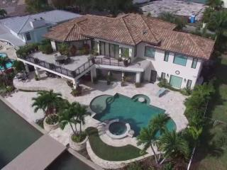 Bella Vista by BeachhouseFL - Waterfront luxury home with pool