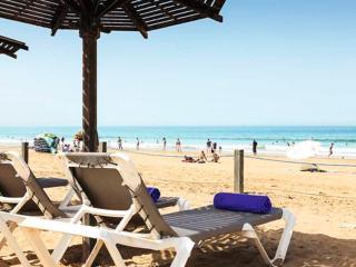 GORGEOUS CITY APARTMENT- COMFORT IN GREAT LOCATION, Agadir
