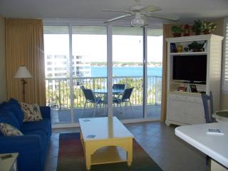 Destin West-Bay Condo-1 BR, 2 Baths, Bunk Room