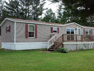 Memory Lane Vacations  ~ Cozy Country Mobile Home, Andover