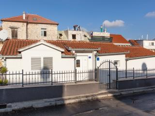 TH01871 Holiday house Beata, Trogir