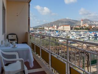 TH01872 Apartments Cagalj / Two bedrooms A2, Trogir
