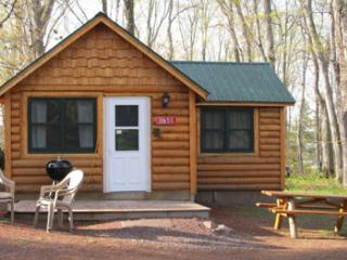 The Lac La Belle Lodge  Cabins, Store & Rentals