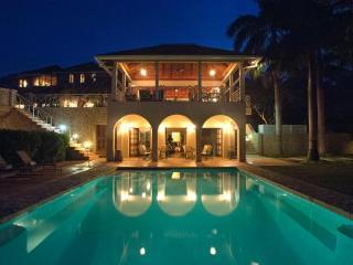 Jus Paradise Golf Villa in Rose Hall 2BR