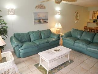 Island condo with shared pool & hot tub, private balcony!, South Padre Island