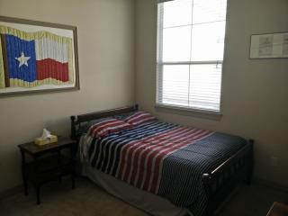 Guest Room, Houston
