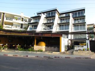 Two-Bedroom Apartment with Sea View (6 Adults), Patong
