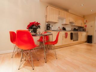 CityCentre MewsHouse BroughtonPlaceLaneParkingWiFi, Edinburgh
