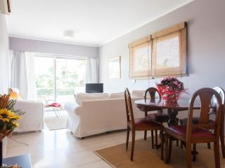 Luxury Apartment  Next to the beach, all seasons!!, Atenas