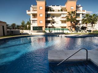 Luxurious Apartment. Air Conditioning. WiFi Free., Benalmadena