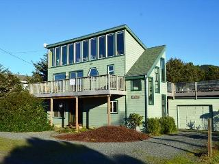 SEA LOFT~Spacious beach home for your perfect beach family gatherings, Rockaway Beach
