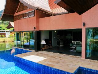 Pleasant 2-BR Villa in Krabi!, Khao Thong
