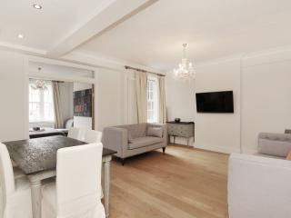Knightsbridge  3 Bedroom 2 Bathroom AC Free WiFi