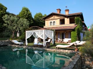 LA CRIOLDA Charme & Luxury Resort ROMANTIC SUITE, San Felice del Benaco