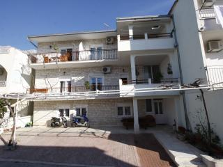 Apartment Ana A8 with view, Makarska