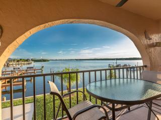 Sitting on the Dock of the Bay! Bring Your Boat, Walk to the Beach, Relax!, Manasota Key