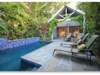 Key West Oasis - Private Pool, Separate Cottage - Great for Couples & Families