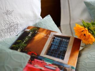 Romantic home in Avignon - Central & Comfortable