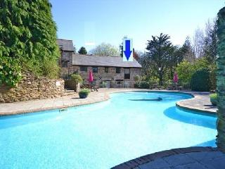 Beautiful stone country cottage with swimming pool
