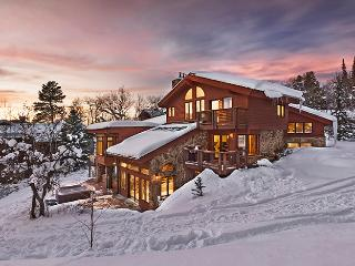 """Great Powder"" Specials : Save up to 25% at Trails Edge Lodge - Ski-in Ski-out, Steamboat Springs"