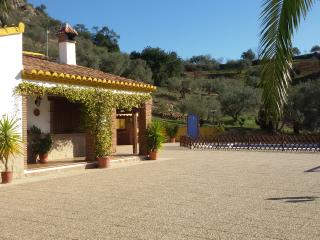 Ideal for families. Lots of privacy. House in the mountains. Close to Malaga.