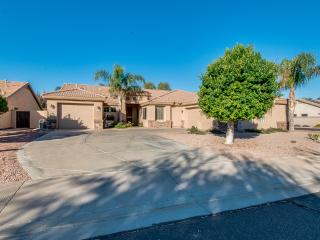 STONEGATE ESTATE with POOL(pool is not heated & can't be heated), Mesa