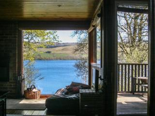 'The Bubble' Lochside Chalet, Fireplace,Fab views.