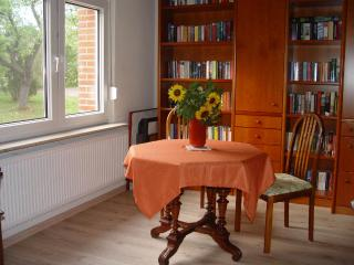 Vacation Apartment in Gross Kordshagen - 377 sqft, natural, quiet, comfortable (# 5355), Groß Kordshagen